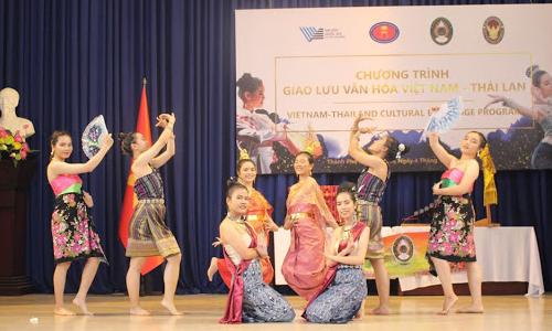 Giao lưu văn hóa sinh viên Việt Nam - Thái Lan: