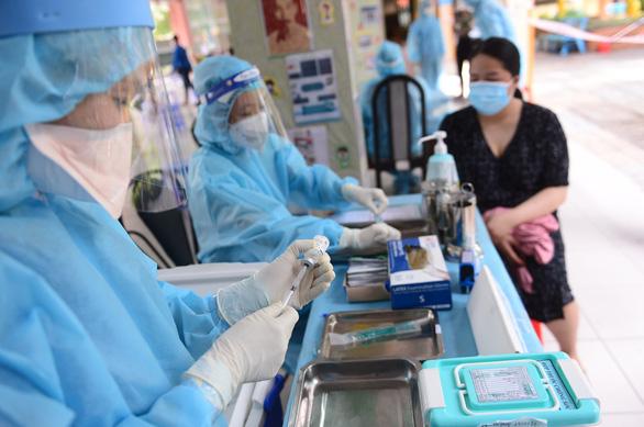 Sáng 28-7: Cả nước thêm 2.861 ca mắc COVID-19 mới, hơn 6.000 y bác sĩ tiếp sức TP.HCM