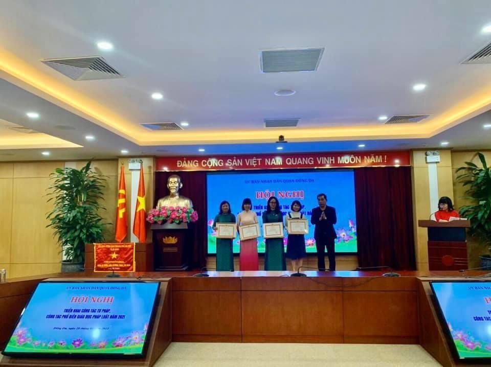 Chúc mừng cô giáo Phạm Thu Thủy đạt giải Nhất cuộc thi Báo cáo viên pháp luật, tuyên truyền viên pháp luật giỏi cấp Thành phố.